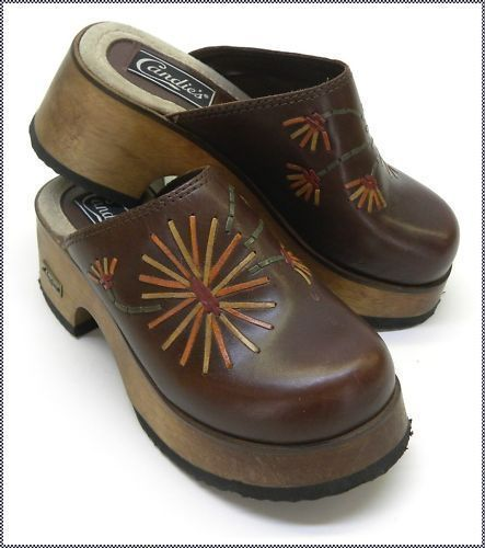 1970's Vintage Candies Clogs / Mules w Leather Flowers