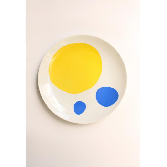 Prato azul e amarelo
