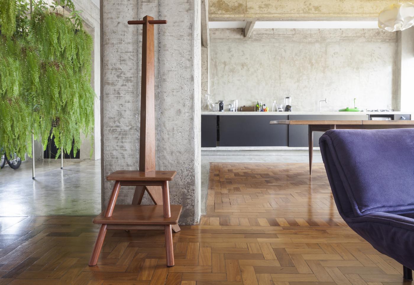 escada mancebo girafa boobam. Black Bedroom Furniture Sets. Home Design Ideas