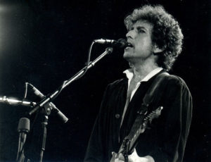 Picture of Bob Dylan performing