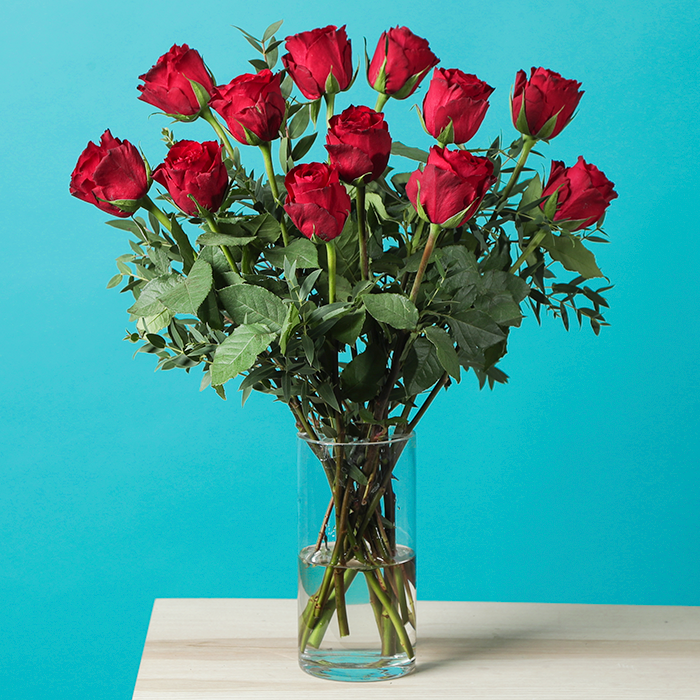 12 Red Roses V-Day - Hero Image