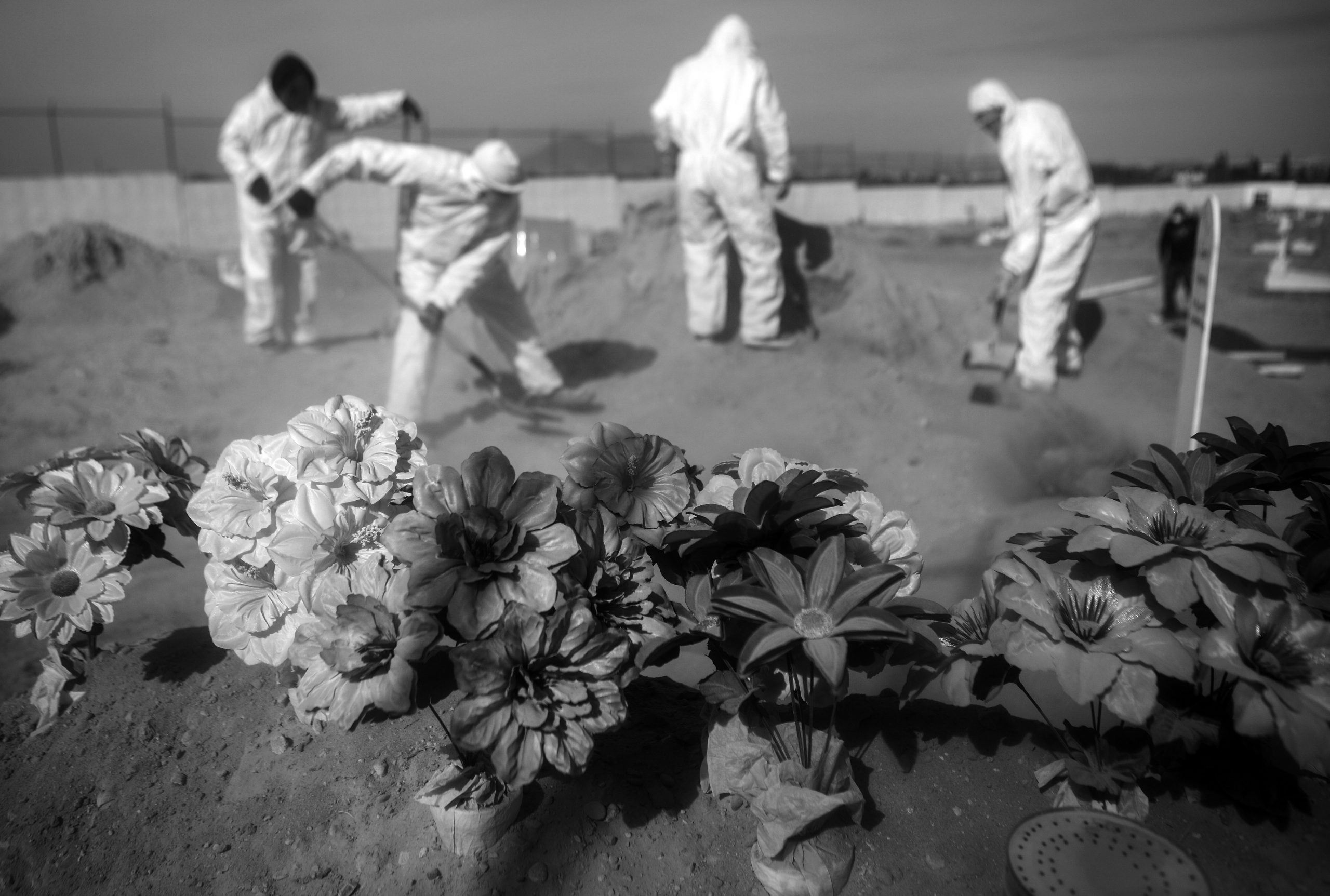 Ciudad Juarez Cemeteries Try To Keep Pace With Funerals Amid COVID-19 Pandemic