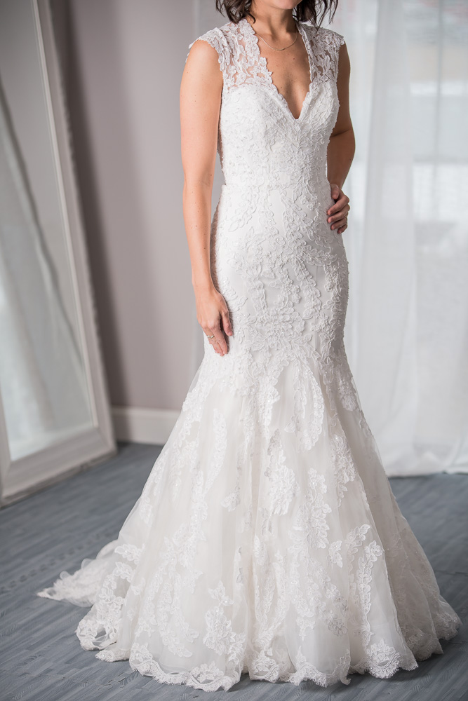 Allure bridals size 0 - $1155 - (30% OFF)