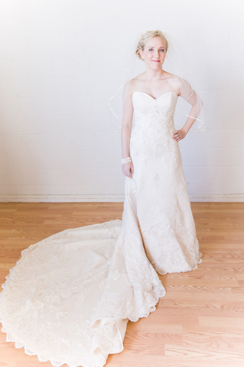 Maggie sottero - Vogue Royale size 0 - $1300 - (35% OFF)