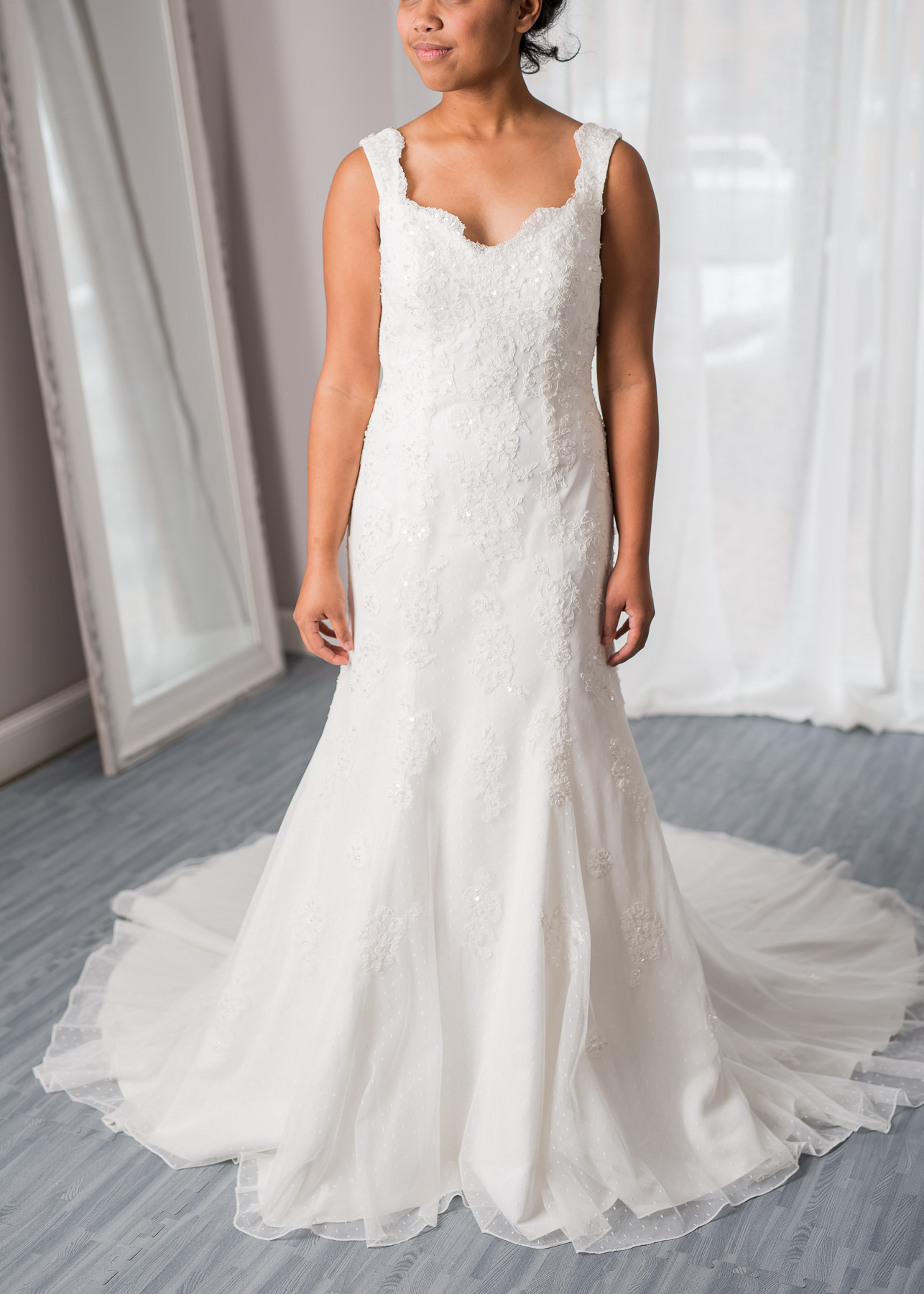 David bridal size 8 - $665 - (26% OFF)