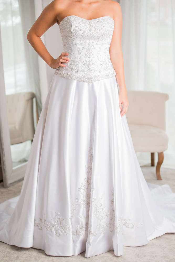 Allure bridals size 0 - $732 - (57% OFF)