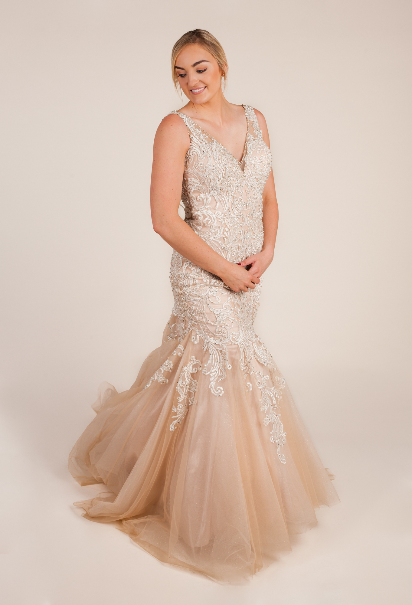 Allure bridals - C388 size  - $1125 - (55% OFF)