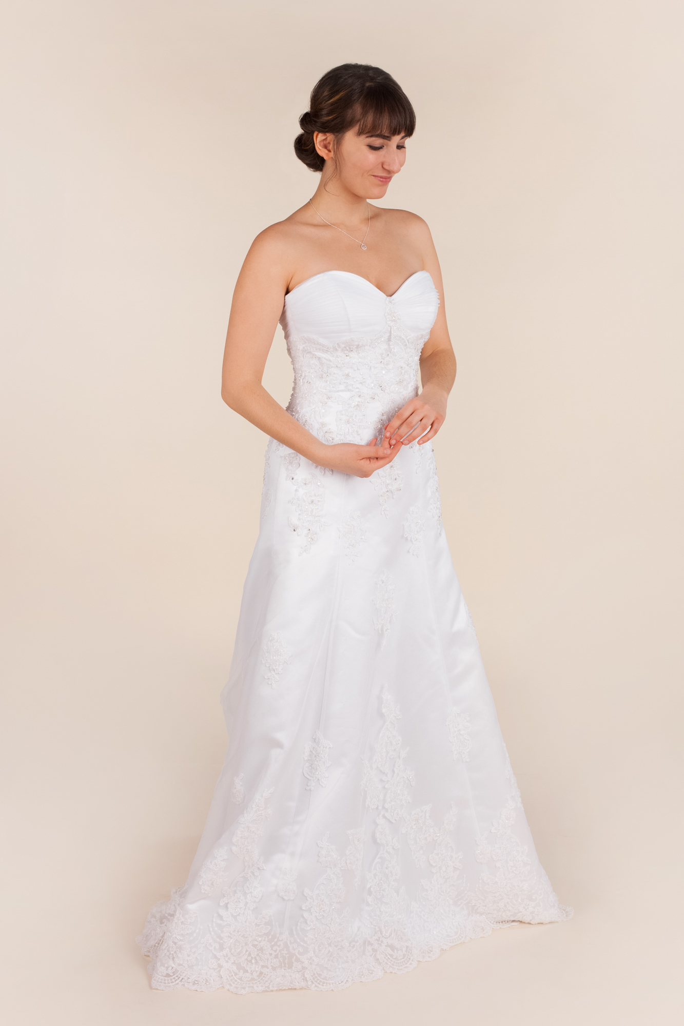 Maggie sottero - Vogue size  - $1100 - (39% OFF)