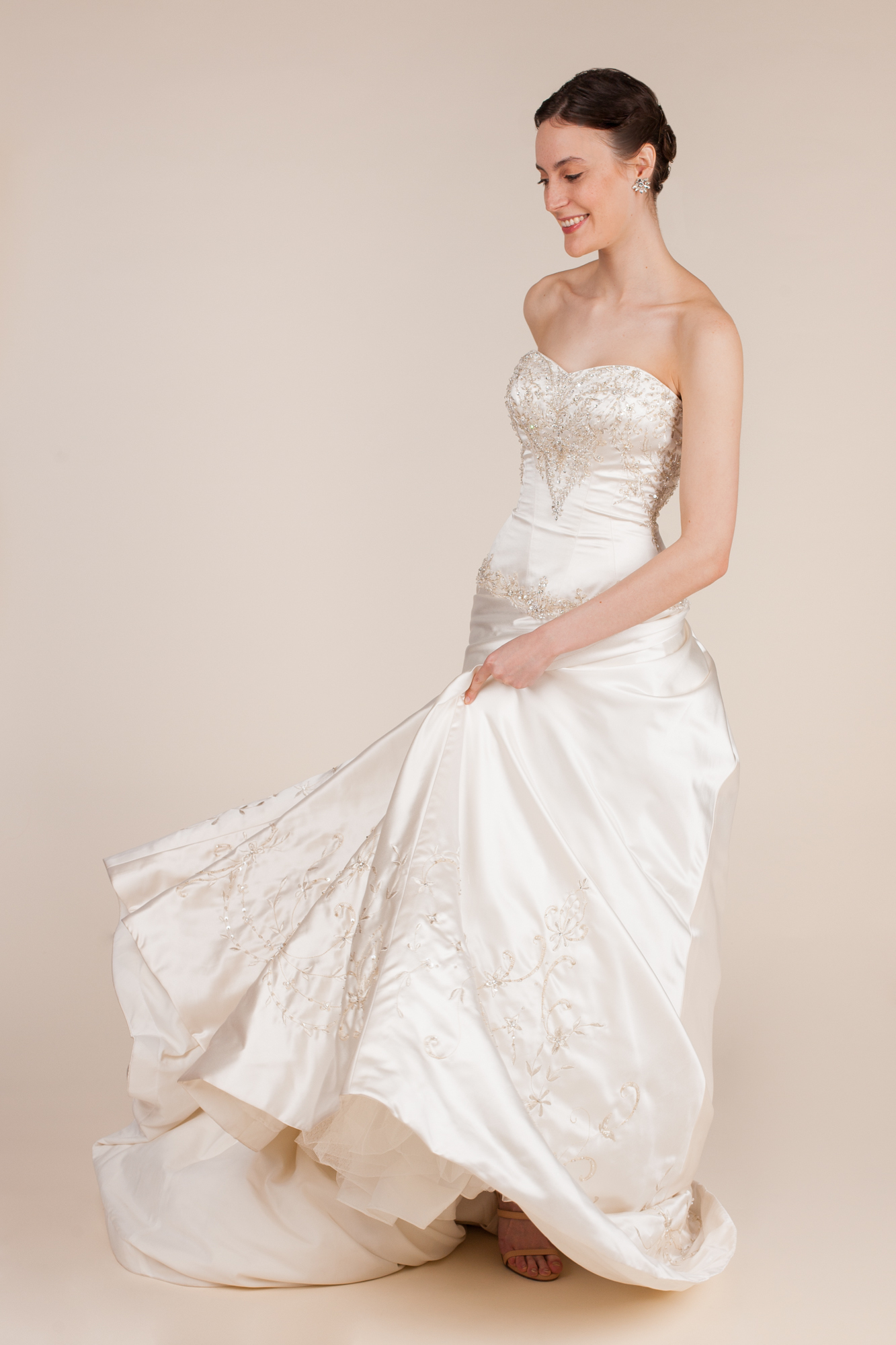 Allure bridals size 0 - $600 - (50% OFF)