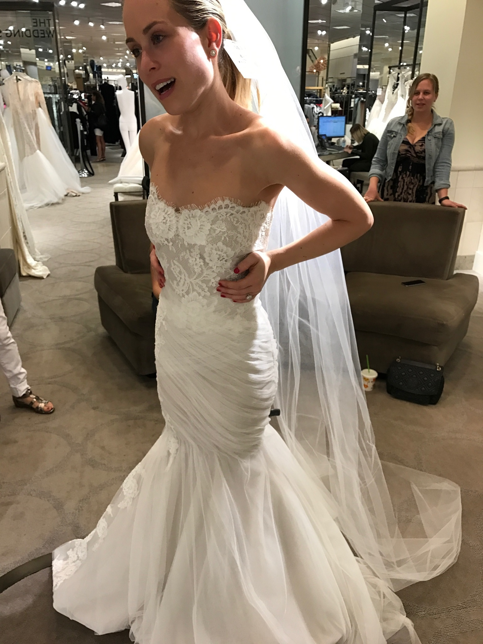 Monique lhuillier - 1516  size 0 - $3000 - (14% OFF)