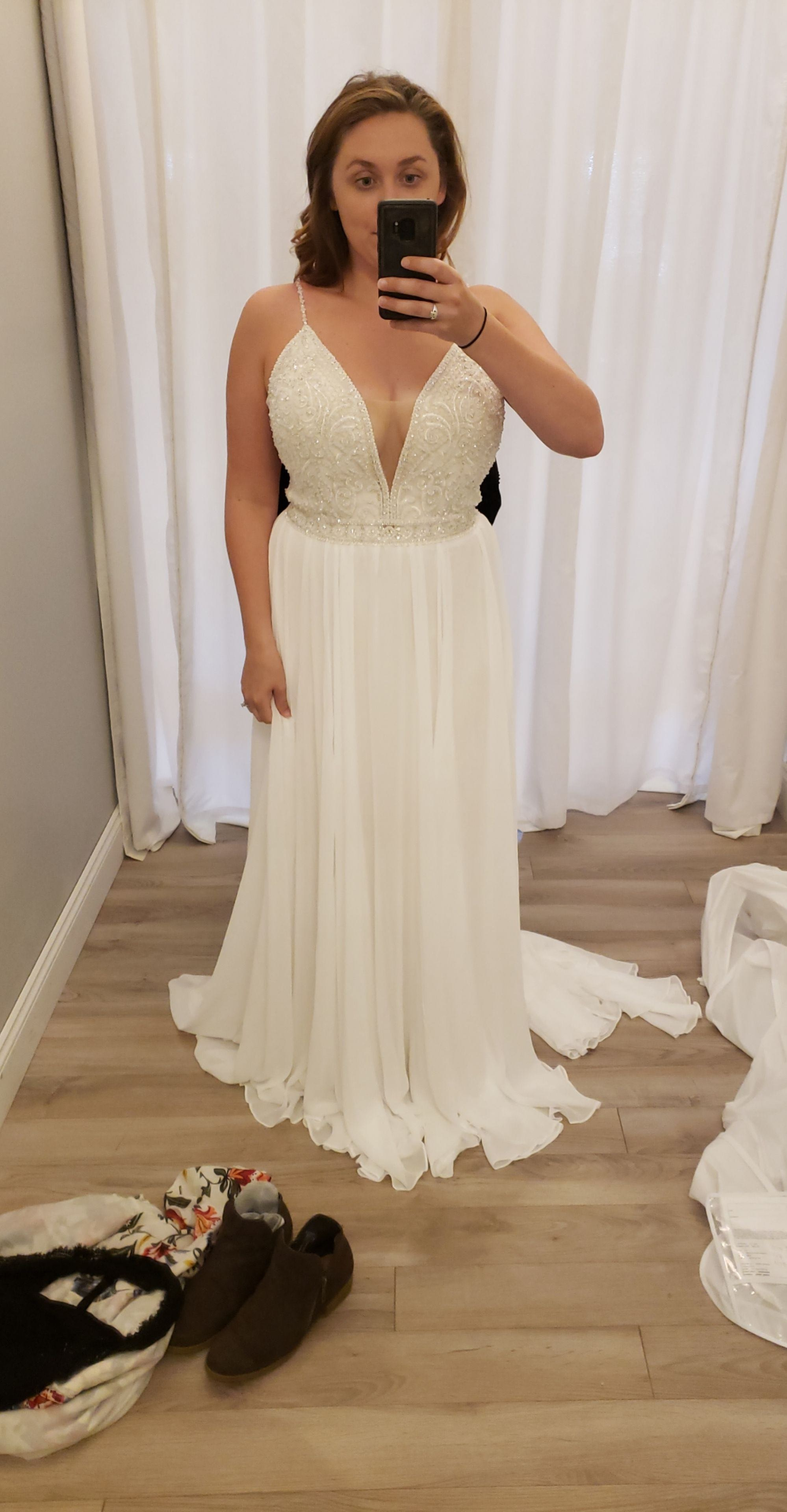 Allure bridals - 9622 size 14 - $900 - (50% OFF)