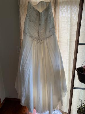 David's bridal - 130200518 size 20 - $425 - (47% OFF)