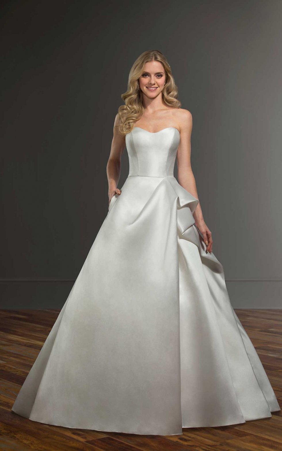 Martina Liana - #1027 (US Size 6) **NEVER WORN, UNALTERED, NEW WITH TAGS**  size 10 - $1250 - (58% OFF)