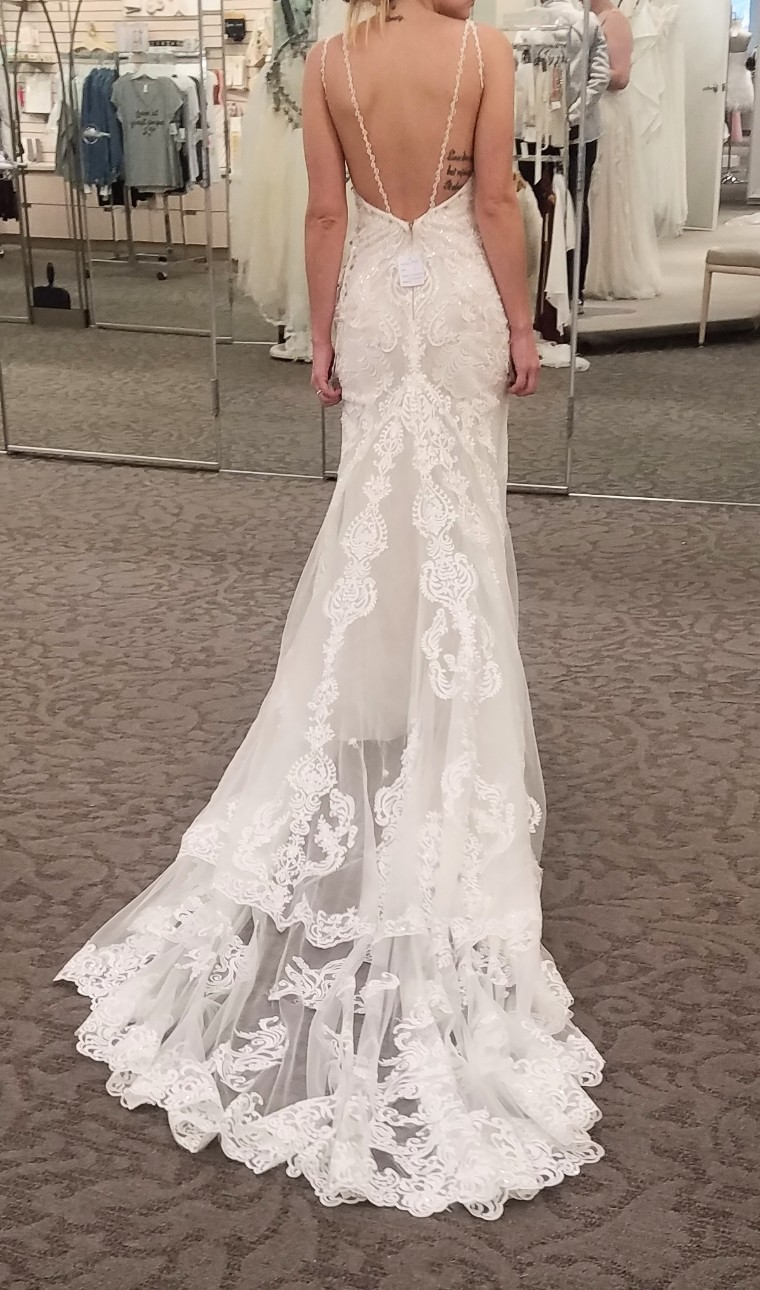 David's bridal - VEN STYLE size 2 - $900 - (40% OFF)