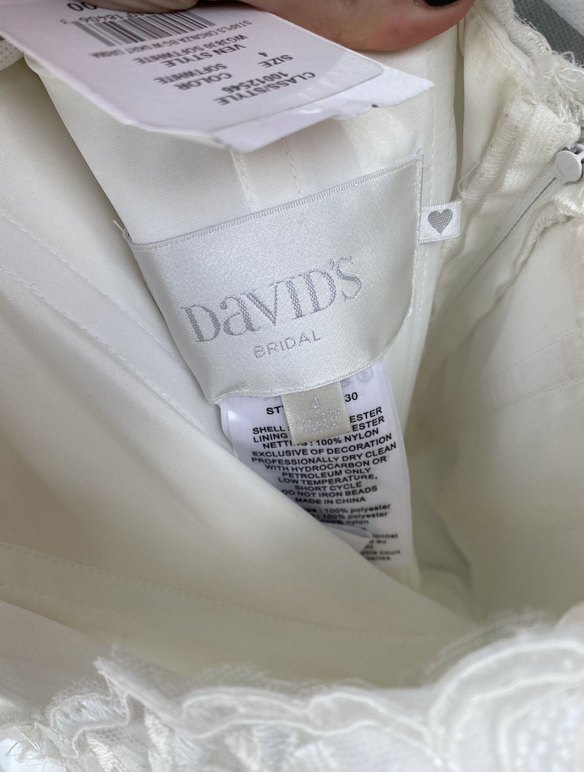 David's bridal - Lace and Organza Petite Wedding Ball Gown size 4 - $350 - (56% OFF)
