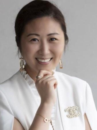 Carmen Lau Stratton