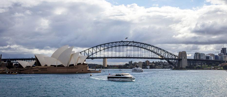 Luxury Yacht Charter Harbor Bridge