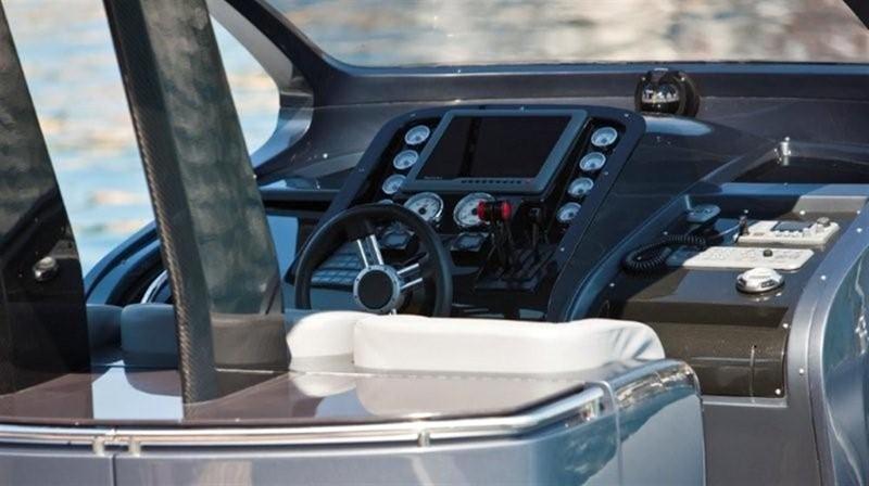 2018 Pirelli PZero 1400 Yacht Edition Tender 147981