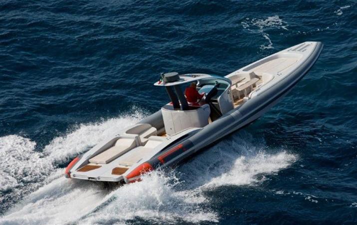 2018 Pirelli PZero 1400 Yacht Edition Tender 147989
