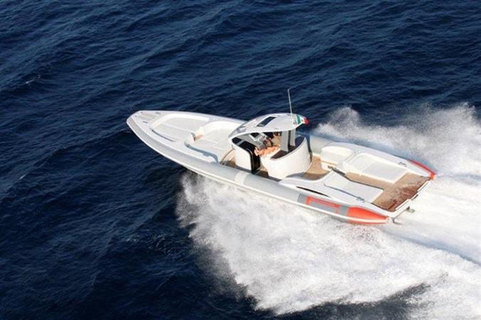 2018 Pirelli PZero 1400 Yacht Edition Tender 147992