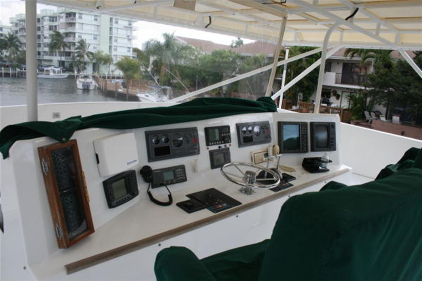 FLYBRIDGE/HELM 1998 CUSTOM Mick Jarrod PowerCat Sportfisher/Dive Boat Catamaran 156655