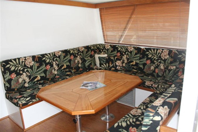 SALON DINING TABLE 1998 CUSTOM Mick Jarrod PowerCat Sportfisher/Dive Boat Catamaran 156653