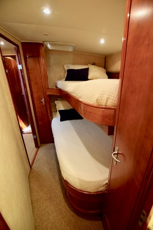 Guest Stateroom  1999 TRIBUTE  Sport Fisherman 2497420