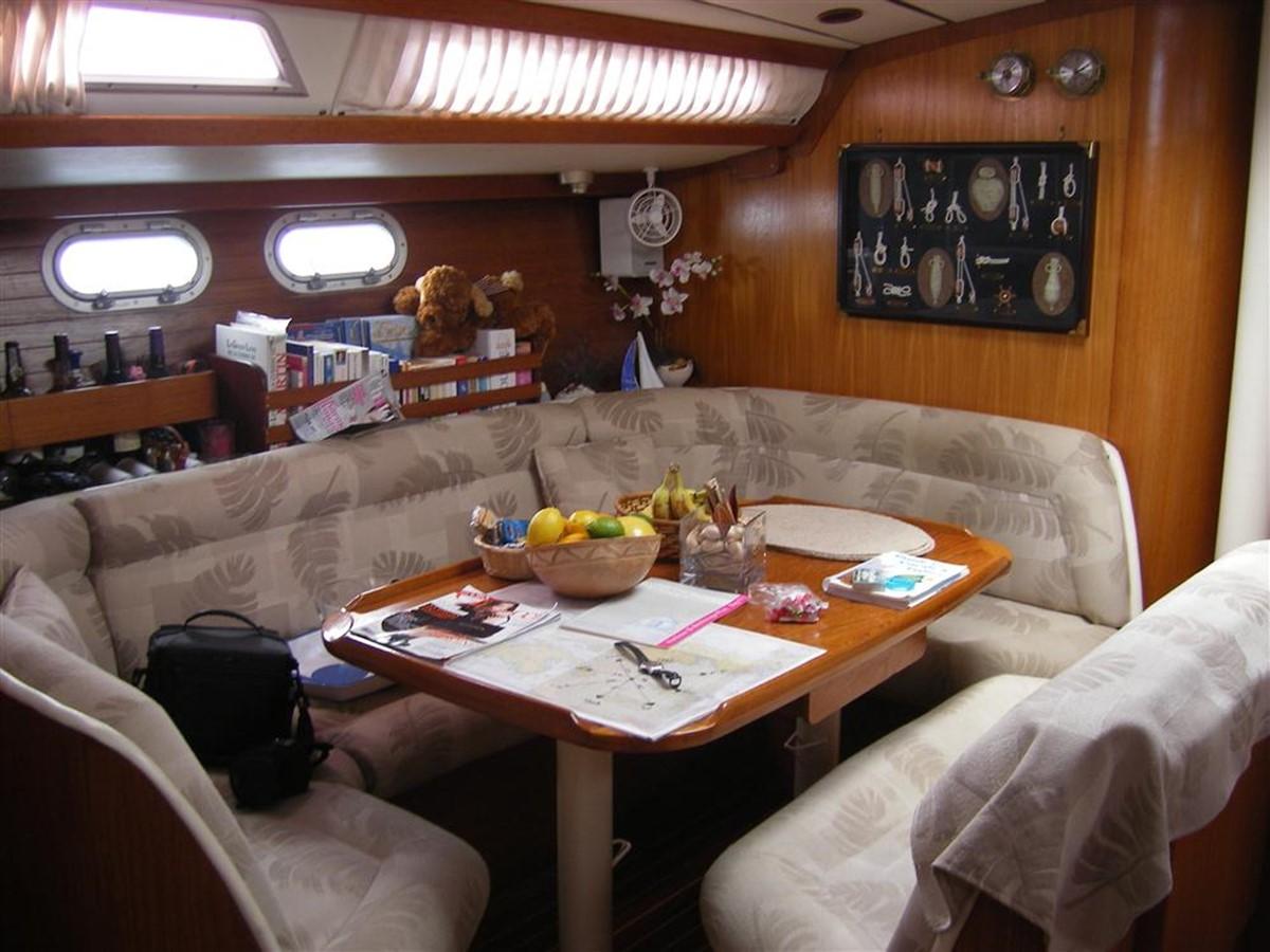 1992 JEANNEAU Sun Odyssey Cruising Sailboat 166574