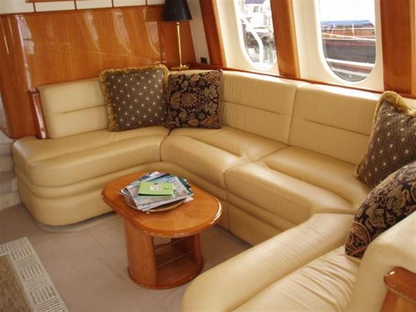 2003 VIKING Sport Cruiser Motor Yacht 241232