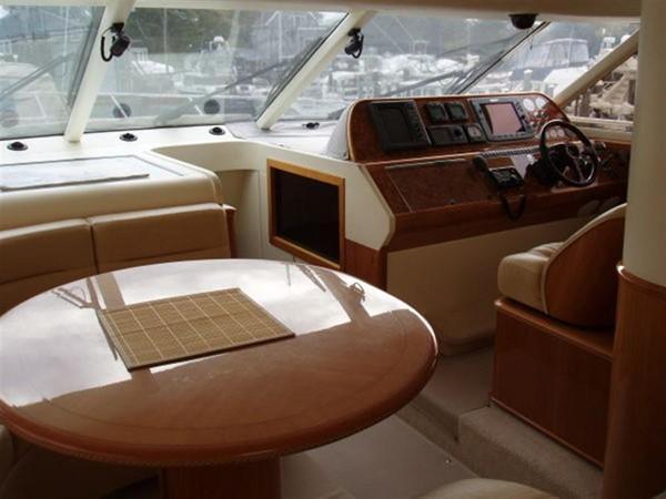2003 VIKING Sport Cruiser Motor Yacht 241234