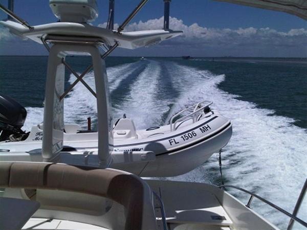 2003 VIKING Sport Cruiser Motor Yacht 241243