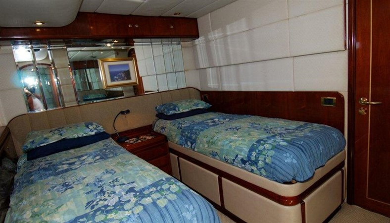 Guest Stateroom 1998 COOKSON Cutter Performance Sailboat 245583