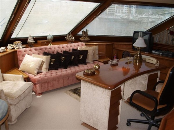 1984 CANADOS  Motor Yacht 286981
