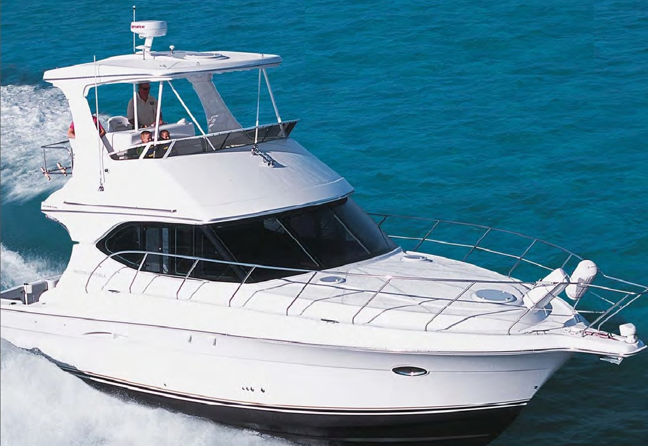 2005 SILVERTON Convertible  **LOW HOURS** Motor Yacht 1615