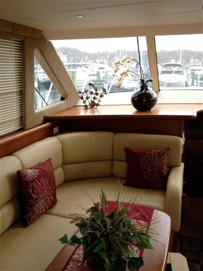 Salon from Aft 2005 SILVERTON Convertible  **LOW HOURS** Motor Yacht 298510
