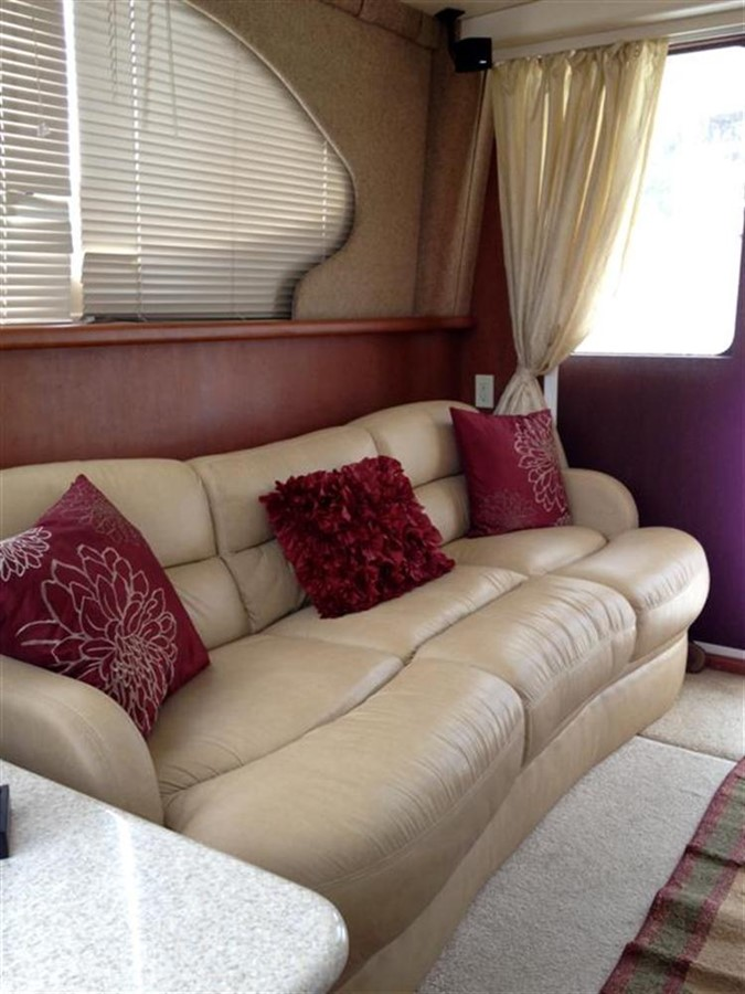 Salon from Forward 2005 SILVERTON Convertible  **LOW HOURS** Motor Yacht 298511