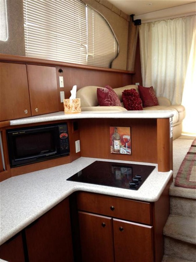 Galley 2005 SILVERTON Convertible  **LOW HOURS** Motor Yacht 298514