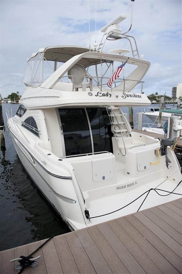 Aft Exterior 1998 MAXUM 4600 SCB Motor Yacht 302763