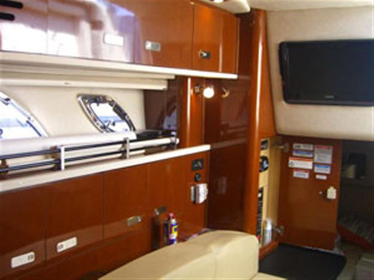 2010 SEA RAY 330 Sundancer Cruiser 728095