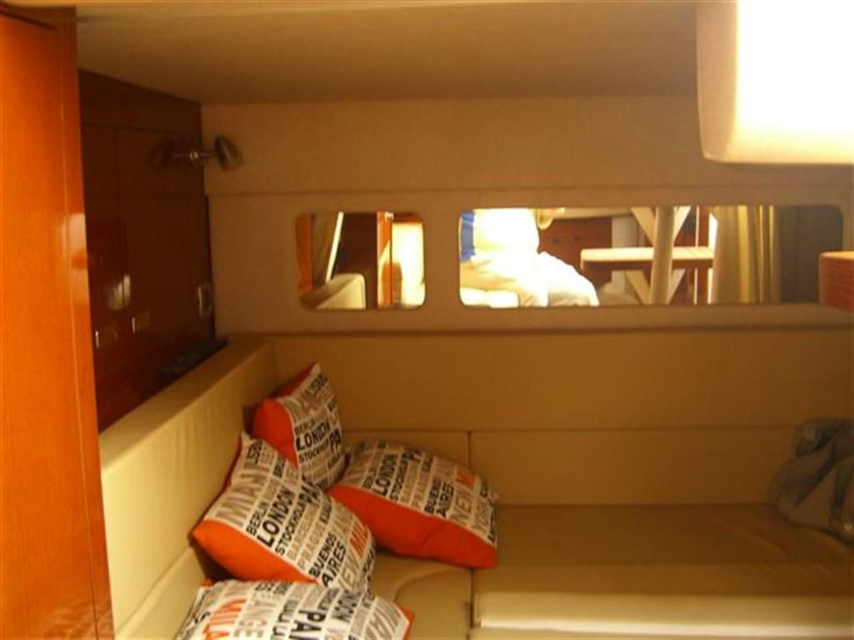 2010 SEA RAY 330 Sundancer Cruiser 728096
