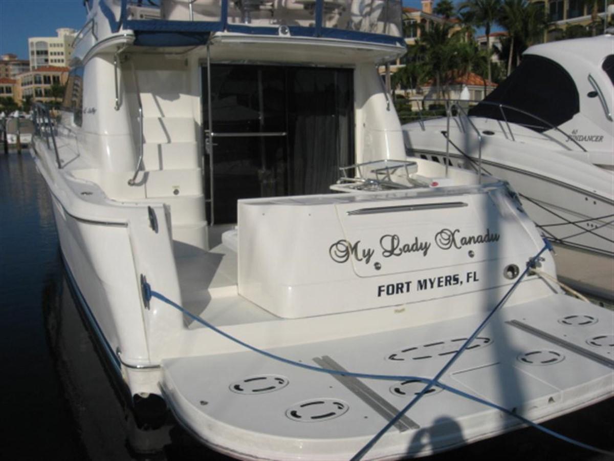 Hydraulic Swim Platform 2001 SEA RAY 480 Sedan Bridge Motor Yacht 349635