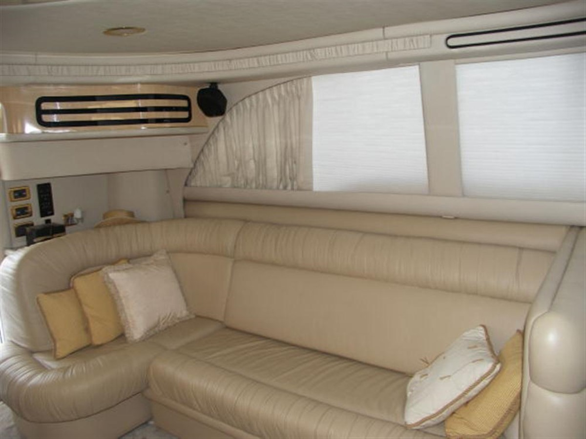 Port Settee 2001 SEA RAY 480 Sedan Bridge Motor Yacht 349641