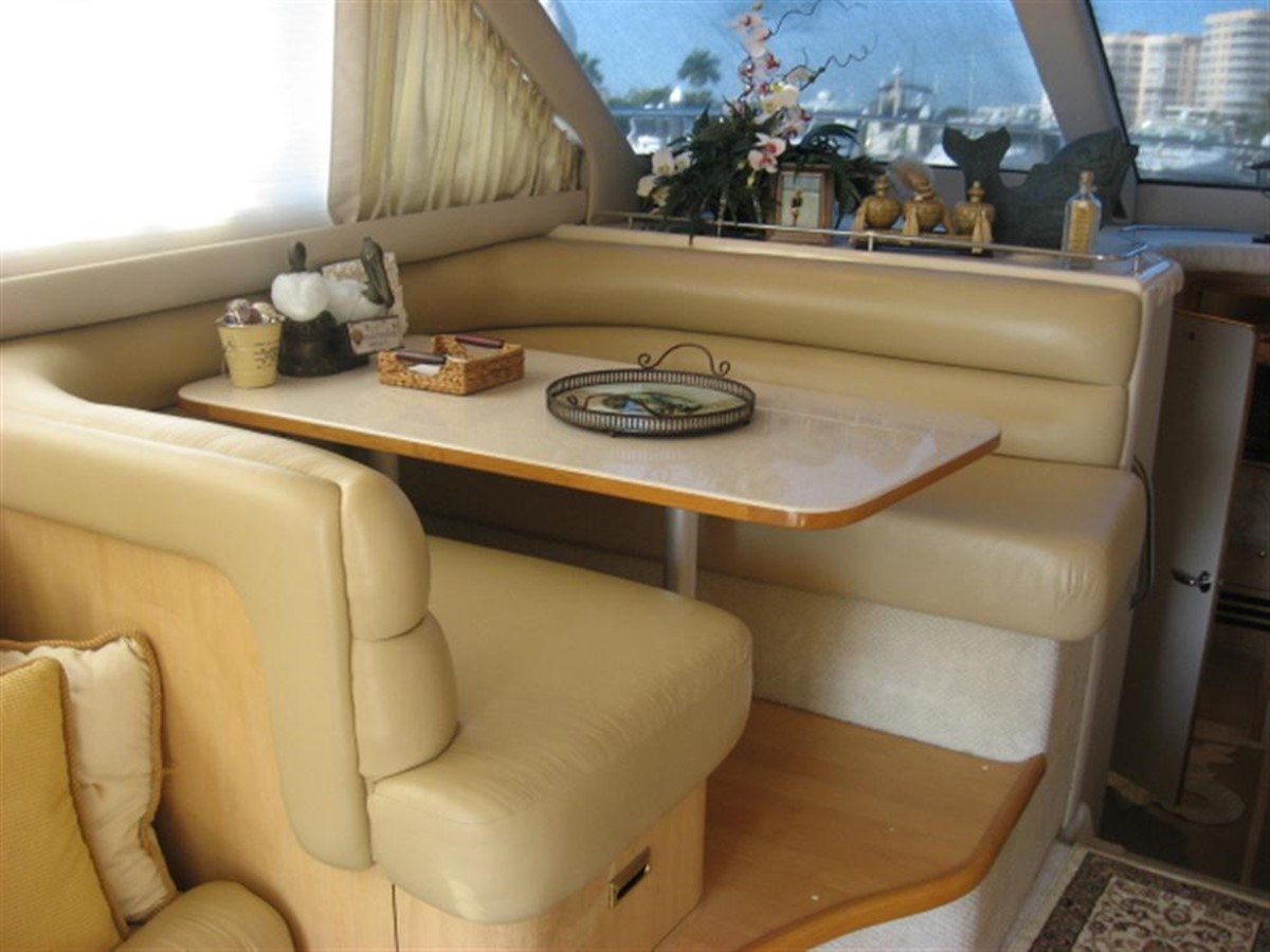 Dinette 2001 SEA RAY 480 Sedan Bridge Motor Yacht 349643