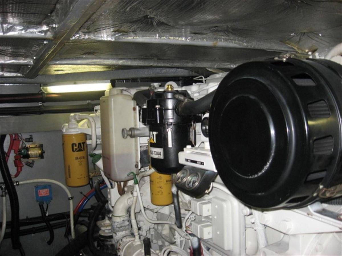Engine Room 2001 SEA RAY 480 Sedan Bridge Motor Yacht 349649