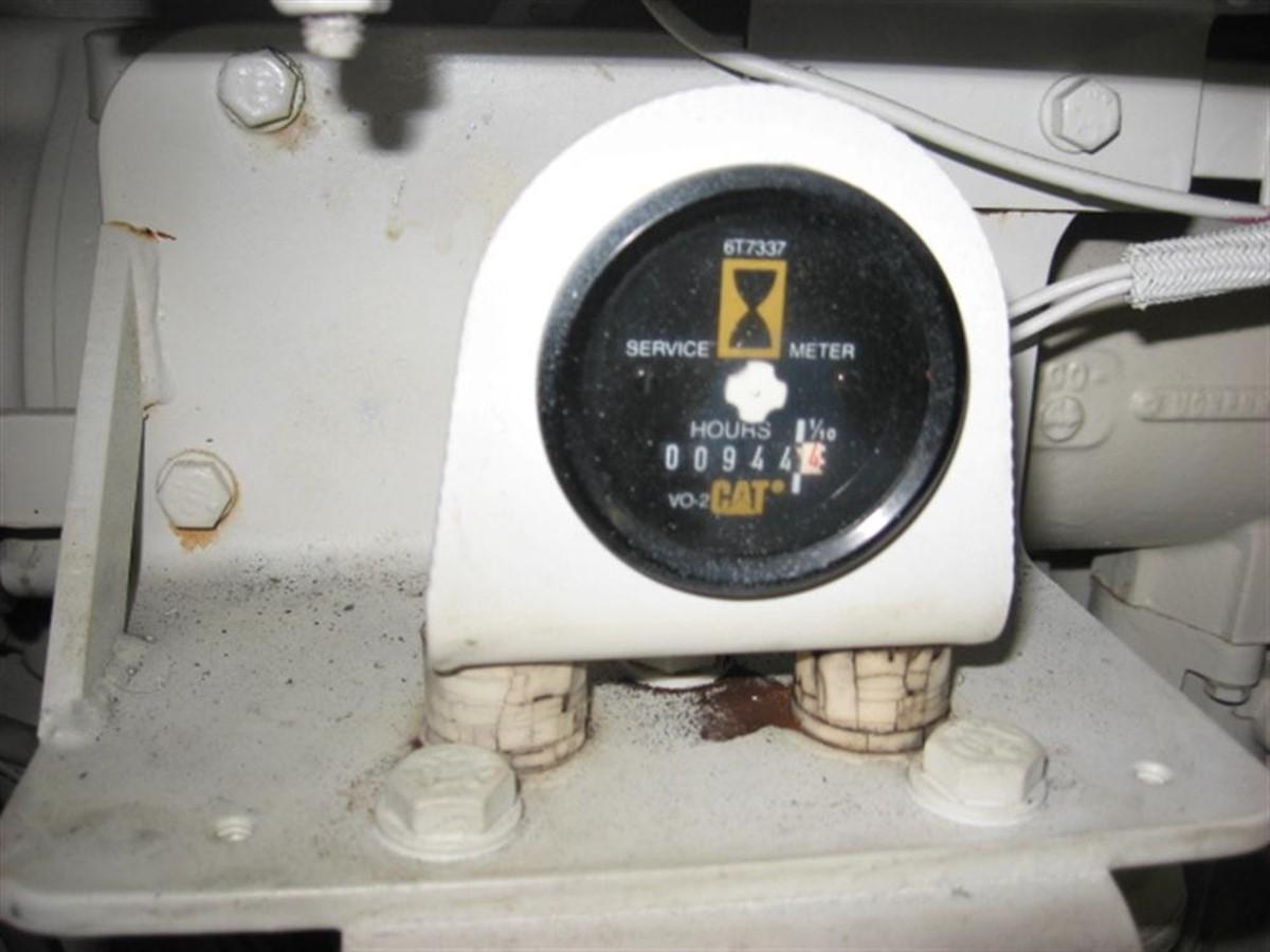 Engine Room 2001 SEA RAY 480 Sedan Bridge Motor Yacht 349650