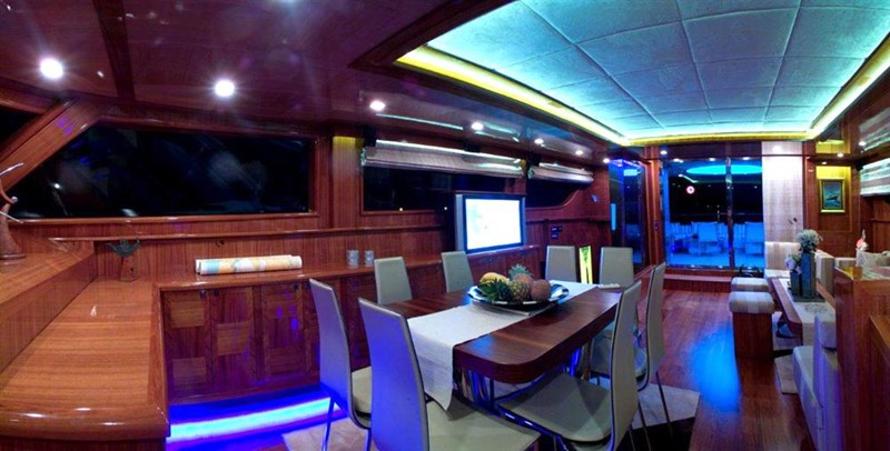 Dining inside 2008 Noble Yachts 32SY Cruising Sailboat 416341