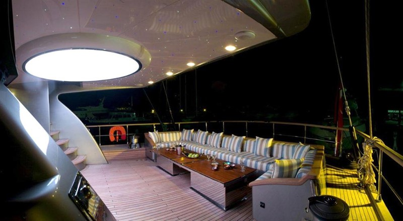 Aft deck lounge / dining 2008 Noble Yachts 32SY Cruising Sailboat 416343