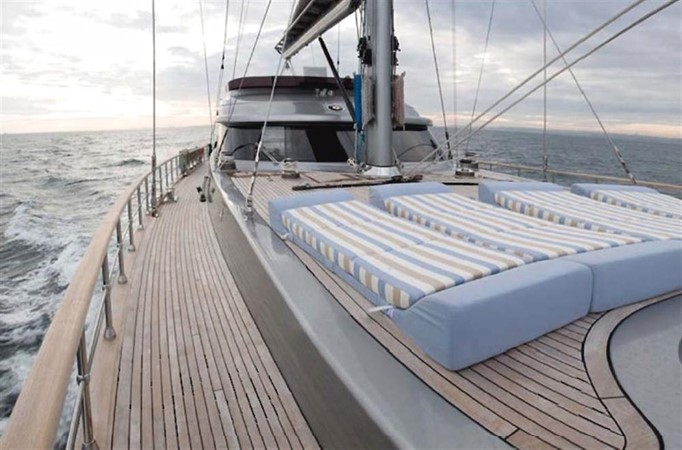 Bow sun beds 2008 Noble Yachts 32SY Cruising Sailboat 416346
