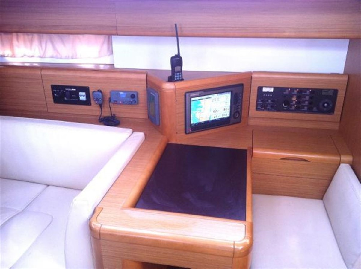 2010 JEANNEAU 53 Motorsailor 424024