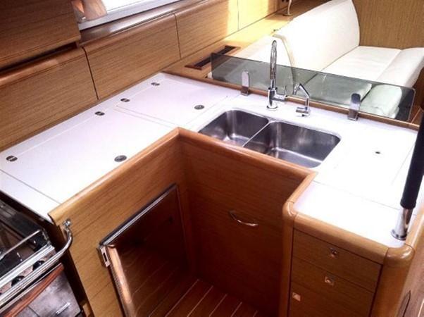 2010 JEANNEAU 53 Motorsailor 424035